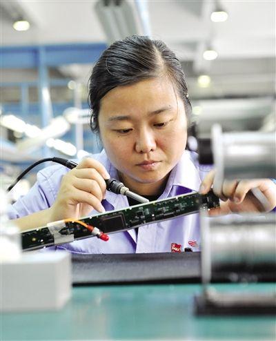 晶拓液晶屏手工焊接